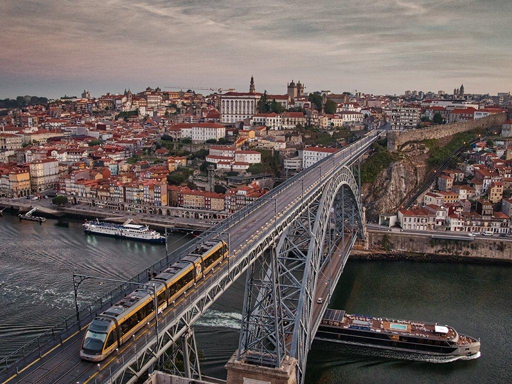 Serra-Pilar-pictury-photo-tours-porto-portugal
