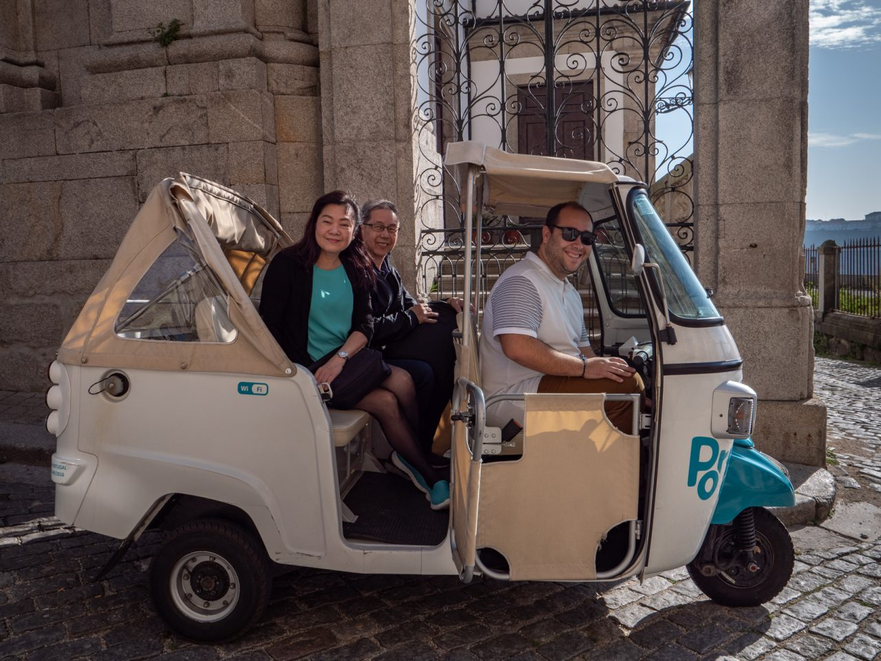 Porto Photo Tour TukTuk mix