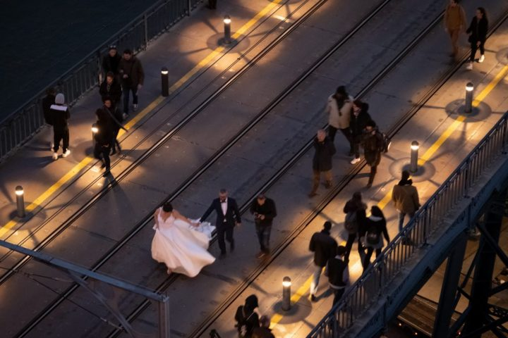 Wedding on the bridge in Porto